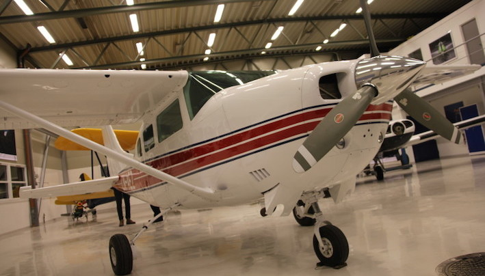 Cessna 206 skydiving