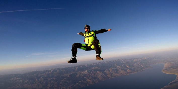 Skydiving in sitfly