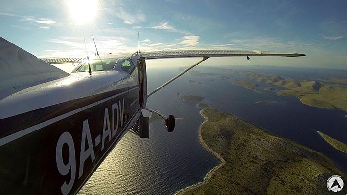 airplane flying panorama