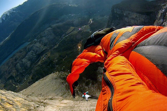 wingsuit base jump in Italy