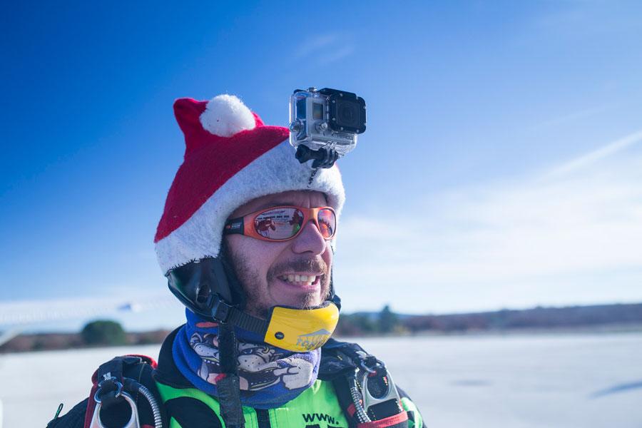 Skydiving-Crew-Santa
